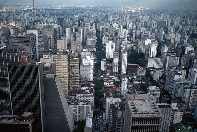 «Противоречивая метрополия» мегаполиса Сан-Паулу