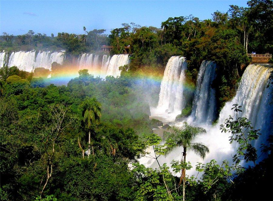 В мире водопад находится примерно в 24